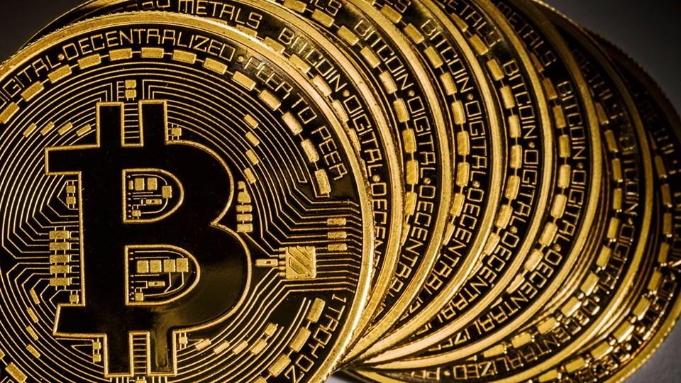 Bitcoin altını Google'da geçti
