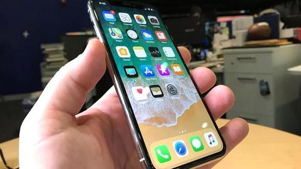 Beklenen ilgiyi görmeyince Apple iPhone X'in üretimini durduruyor!