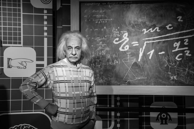 """Relativity""""İzafiyet Teorisi """