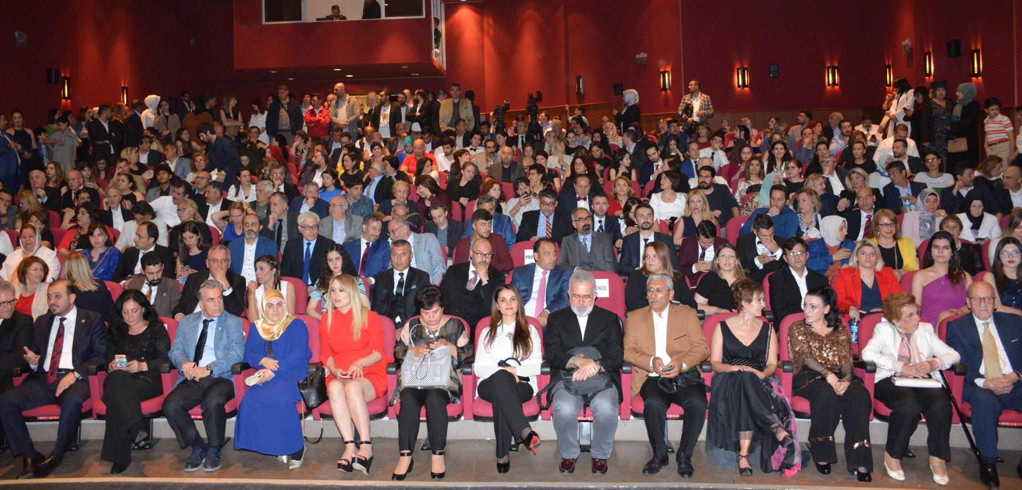 1. Altın Kalem Ödülleri Görkemli Bir Törenle  Sahiplerini Buldu