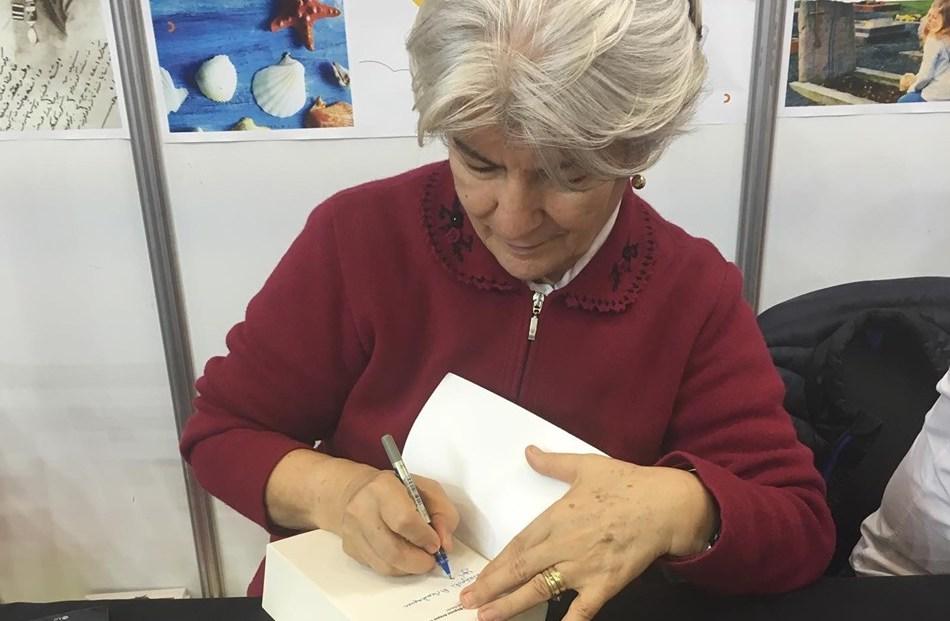 """""""Türk'ün Gizlenen Bilgisini Arayan Türk"""" Romanının Yazarı Hani Astolin ile Röportaj"""